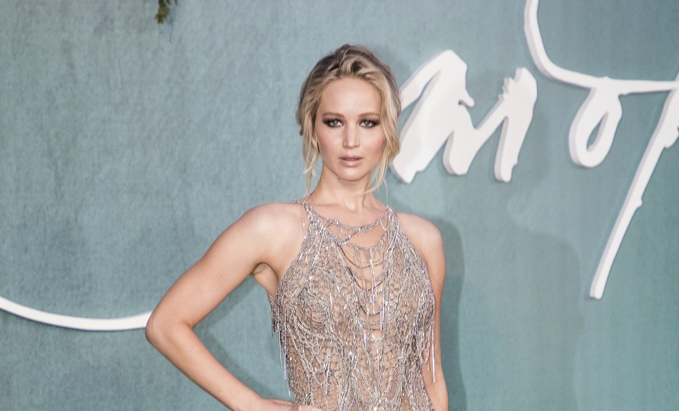 Jennifer Lawrence conquista Venecia a base de transparencias